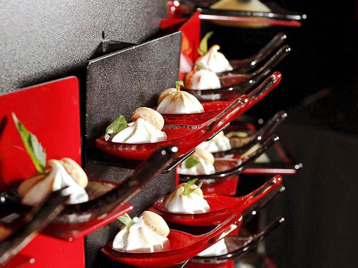 Buffet display professional catering systems buffetize for Canape display equipment